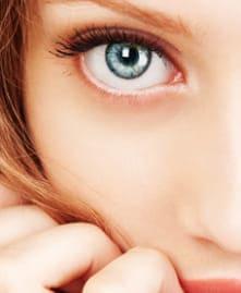 目の下のたるみ取り(脱脂法・切除法)