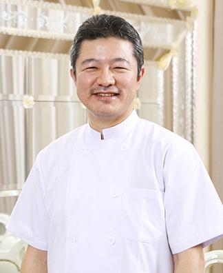 総院長・新宿院責任者 井上 淳